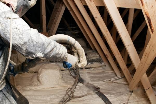 attic-spray-foamD5D32A9D-9CBE-771F-38E1-E283E84DD7C7.jpg